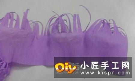 皱纹纸手工制作糖果花篮的做法教程