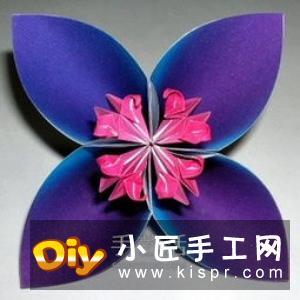 四瓣花折纸图解教程 手工折叠四瓣花的方法